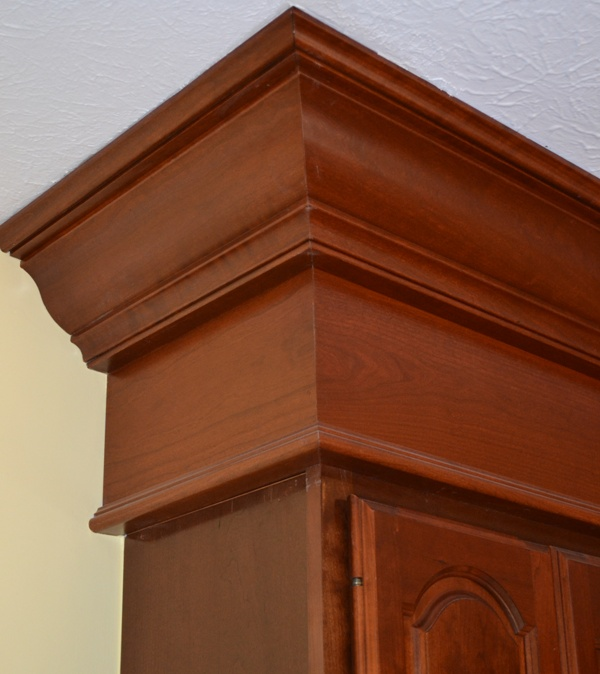 Kitchen Cabinets Moulding: Crown Molding Installer