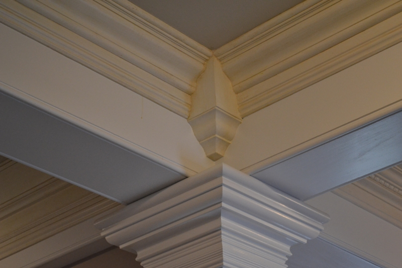 crown-moulding-corner-block-image