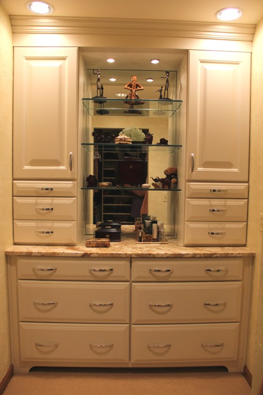 Dressing Area Built-In Cabinetry Design