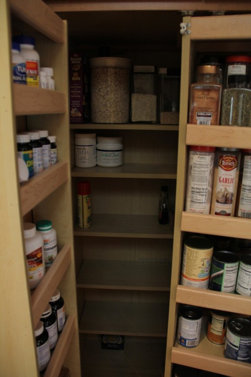 Kitchen-Pantry-Organizer